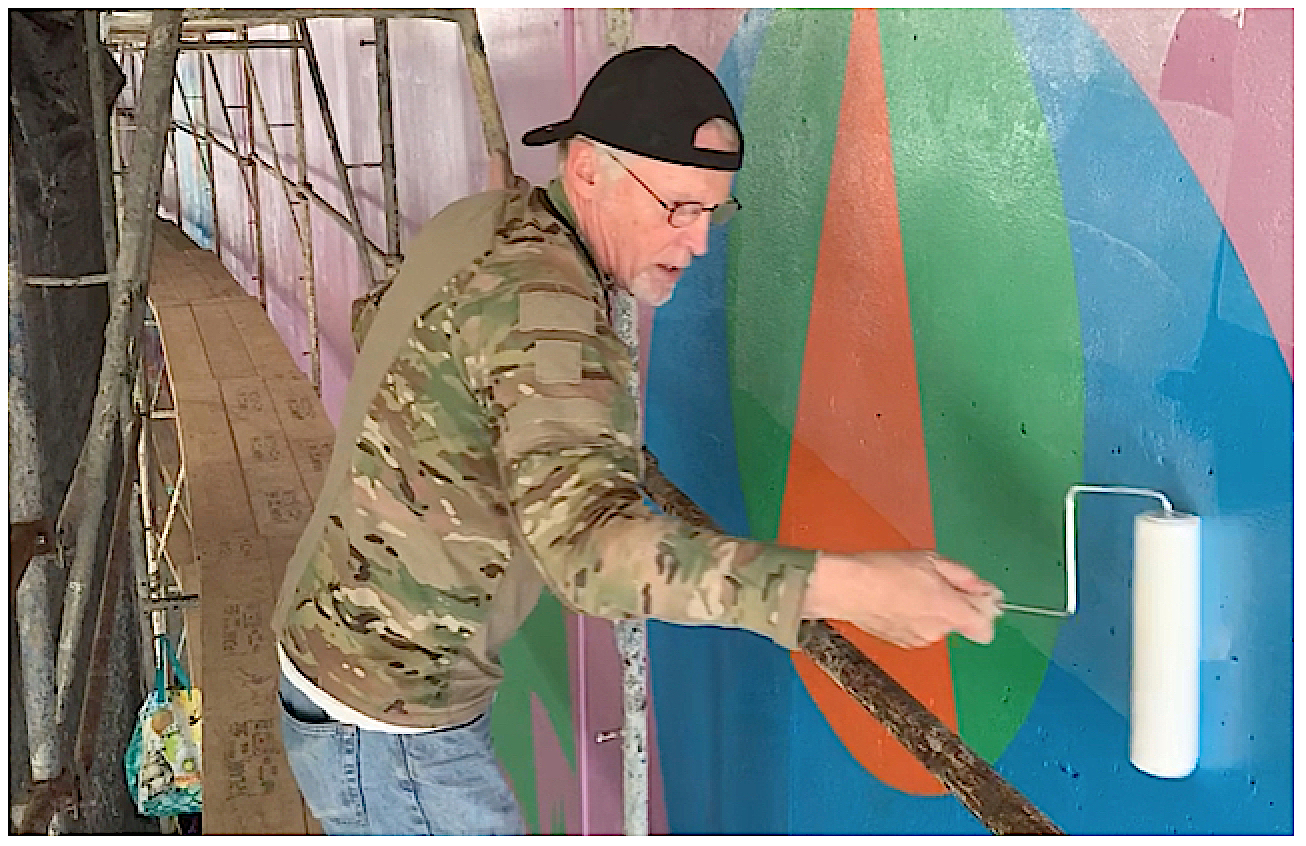 Scott Haskins applying the final varnish anti-graffiti protection layer.  © FineArtConservationLab.com