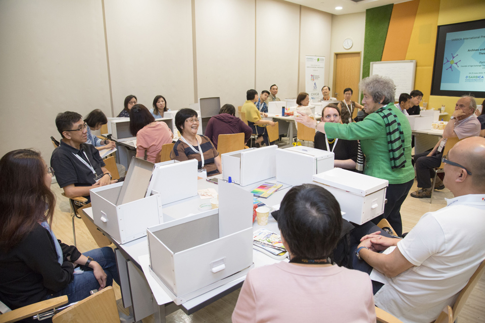 Workshop on Archives and Oral History in Art and Theatre. Image courtesy of the National Archives of  Singapore.