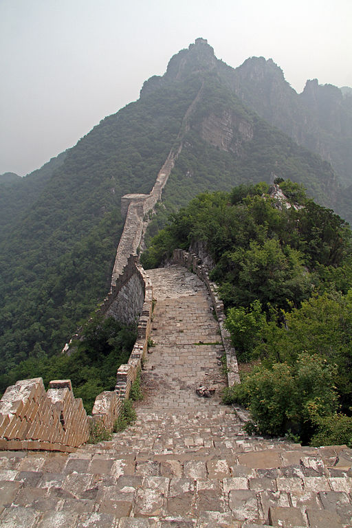 The Great Wall of China at Jiankou. Image by Ronnie Macdonald from Chelmsford, United Kingdom, Jiankou 28 (4736576991), CC BY 2.0